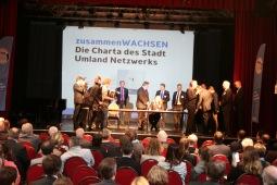 Unterzeichnung der Charta